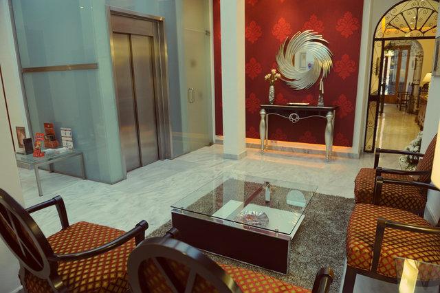 hall hotel goya