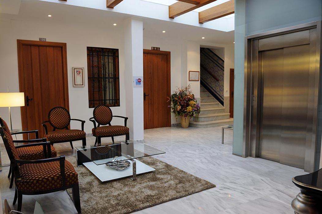 HOTEL GOYA salon